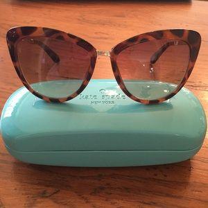 NWT kate spade New York Cissy Cat Eye Sunglasses